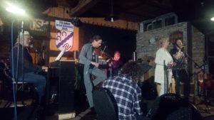 Bühne bei Bauer Lange mit Künstlern